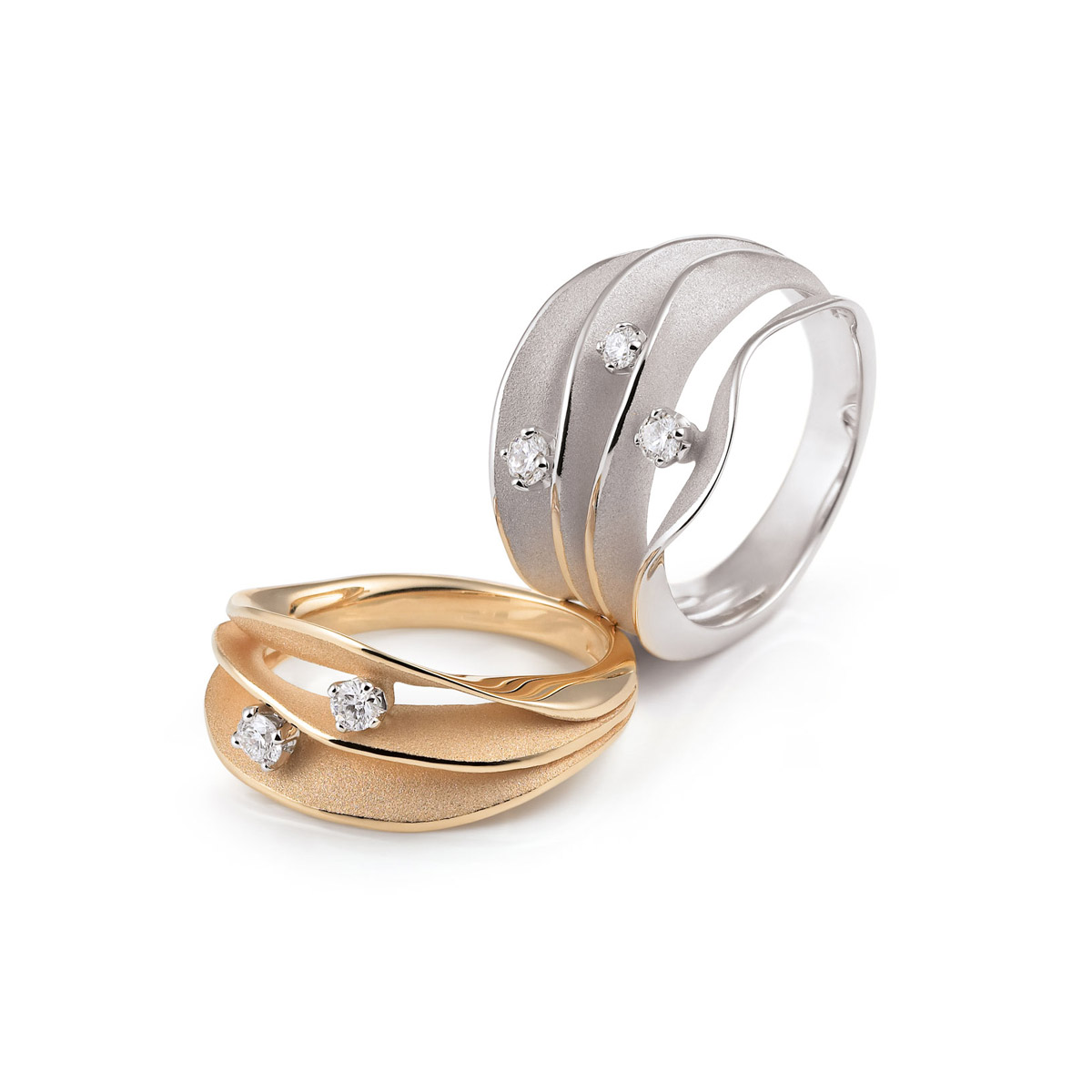 Annamaria Camilli Essential ring